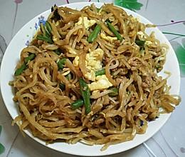 炒鸡简单的中式简餐--酱焖饼的做法