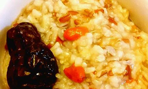 红糙米养颜粥的做法