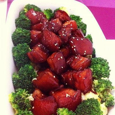 红烧肉/生菜