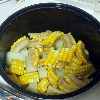 土豆甜玉米汤