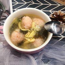 给孩子做一碗~虾滑紫菜汤