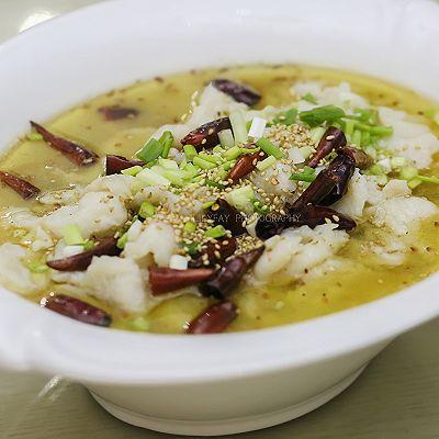 金针菇巴沙鱼柳酸菜鱼(宴美国客菜)