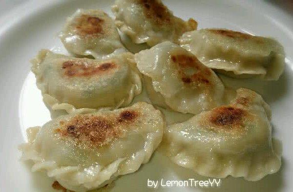 lemontree钢琴谱子-香煎饺子的做法 香煎饺子怎么做如何做好吃 香煎饺子家常做法大全