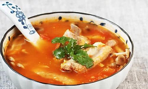番茄鲜菌排骨汤的做法