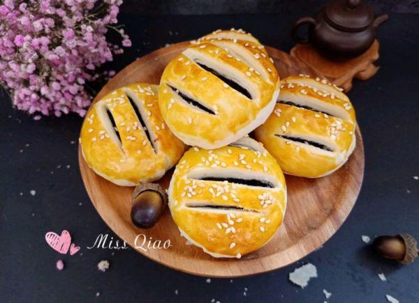 #520,美食撩动TA的心!#紫米馅老婆饼的做法