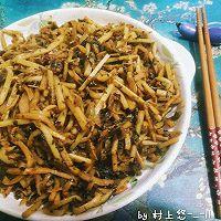 下饭神器之:盐菜炒笋丝