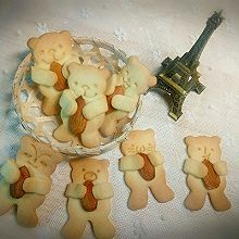 小熊坚果饼干