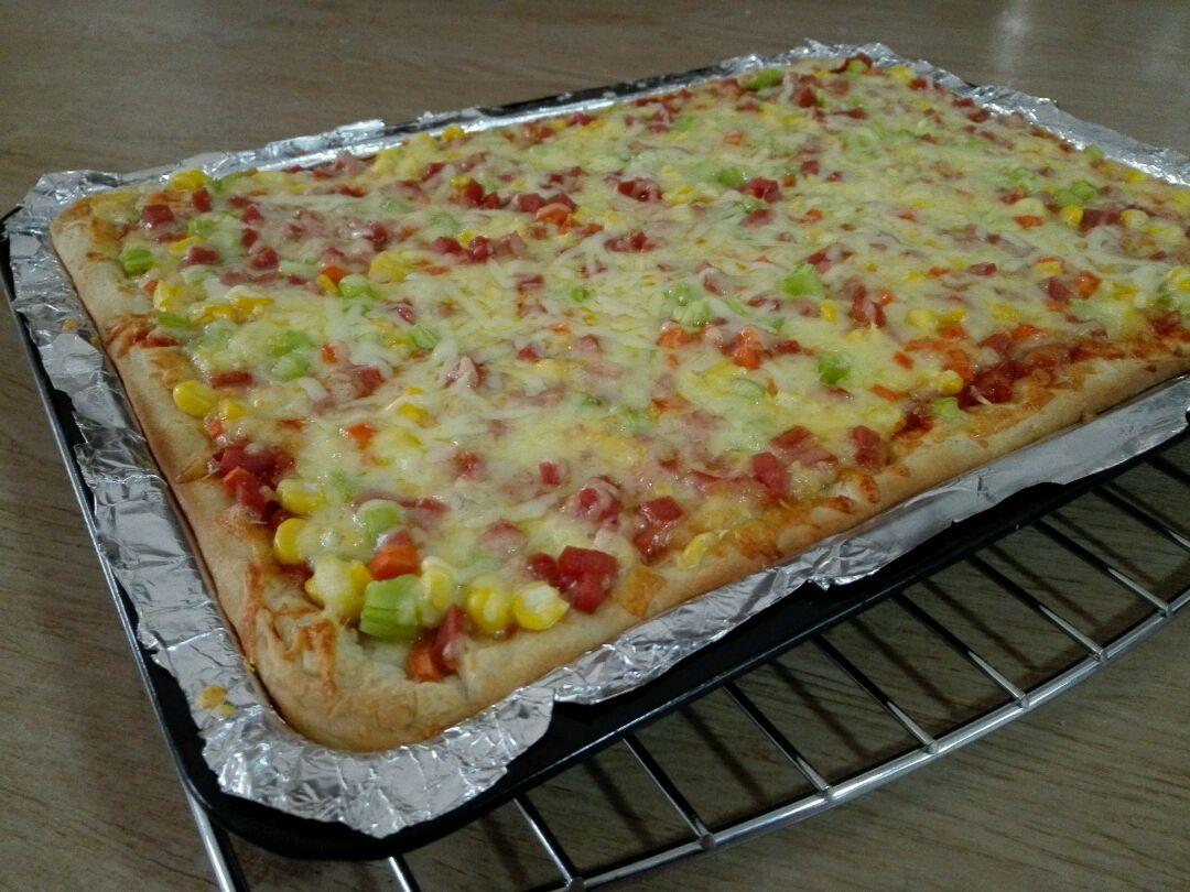 火腿丁蔬菜馅披萨的做法图解10