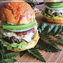 牛油果芝士汉堡
