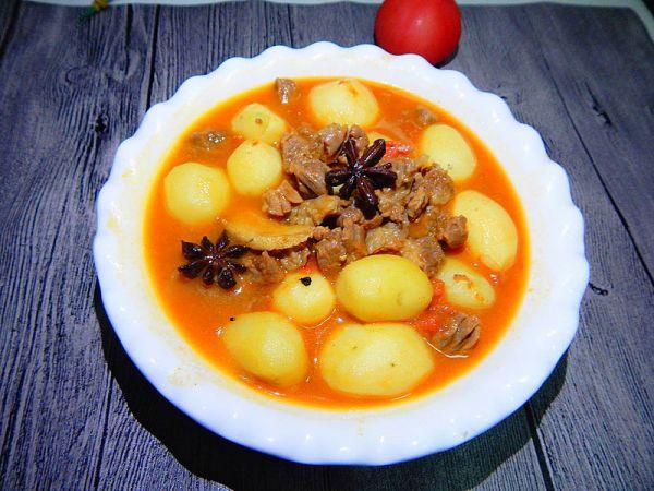 茄汁小土豆炖牛肉粒的做法