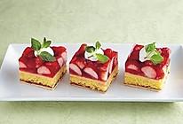草莓果冻蛋糕的做法