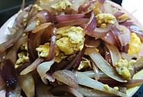 鸡蛋炒洋葱头的做法