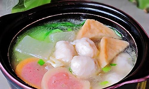 砂锅炖鱼丸的做法