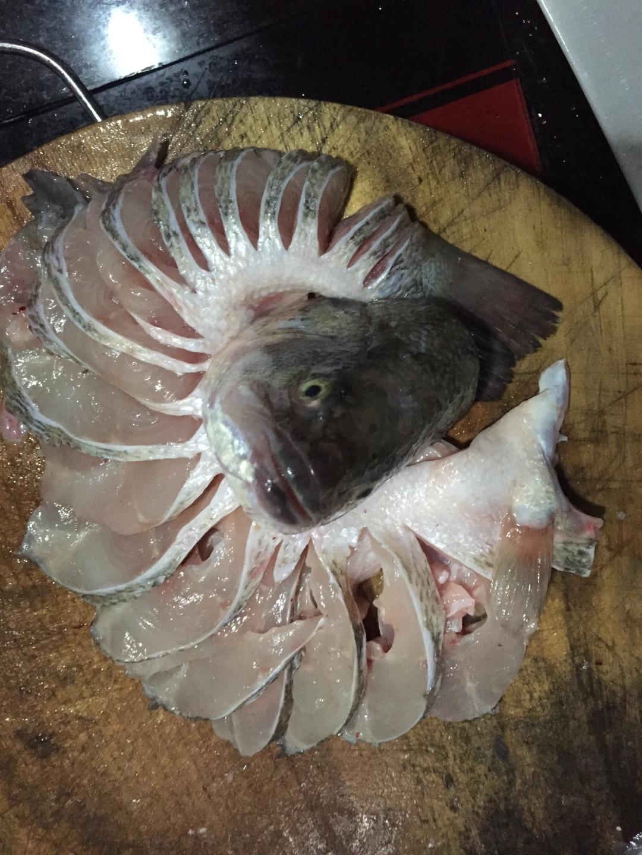 清蒸鲈鱼(孔雀开屏)的做法步骤