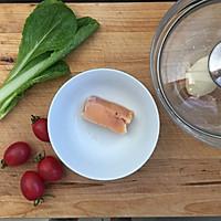 番茄鸡肉柳叶面 宝宝辅食的做法图解1
