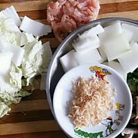 减肥美味餐-冬瓜香菇鸡胸肉虾皮面汤的做法图解2