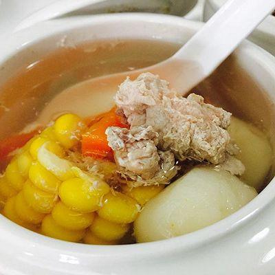 山鸡马蹄玉米炖汤