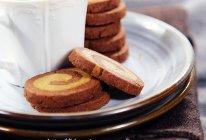 随身零食轻松做---摩卡双色饼干的做法