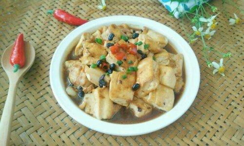 家常菜~豆豉辣椒焖豆腐的做法