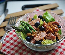 牛肉肠果蔬沙拉的做法