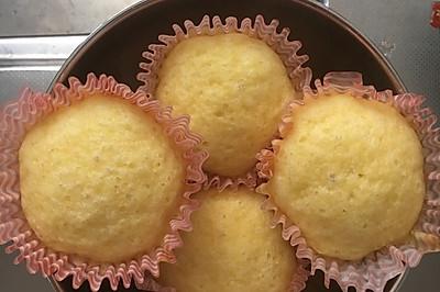 轻乳酪淡奶油蒸蛋糕