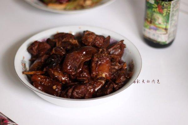 #菁选酱油试用之排骨烧鸡肫的做法