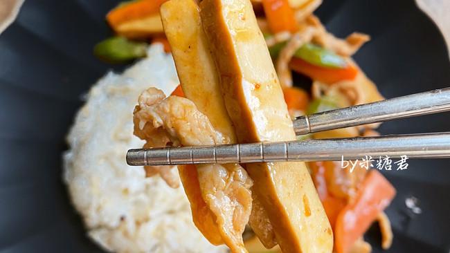 香干炒肉丝,做盖饭绝配的做法