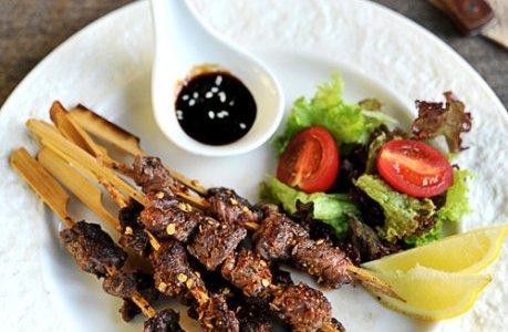 煎烤麻辣孜然牛肉串的做法