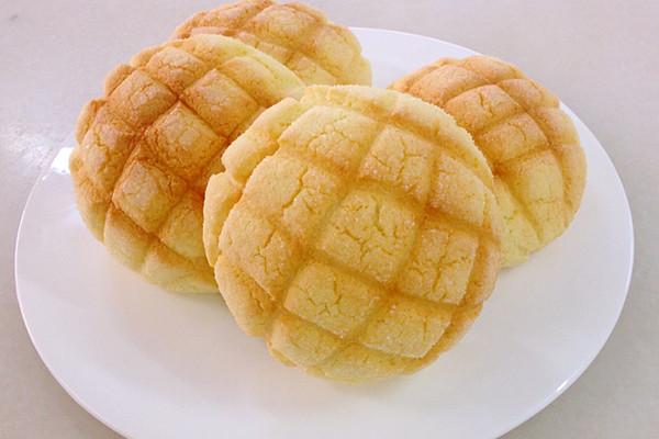 日式菠萝面包的做法