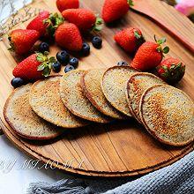黑芝麻核桃香蕉松饼#雀巢营养早餐#