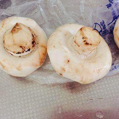 盐焗口蘑-初恋的感觉的做法 步骤1