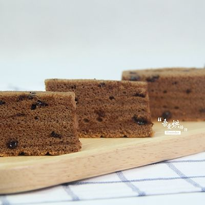 组织细腻,柔软香甜的巧克力棉花蛋糕