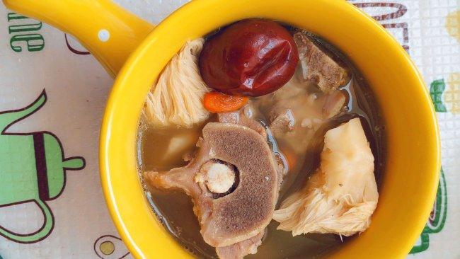 鲜猴头菇炖羊骨汤的做法