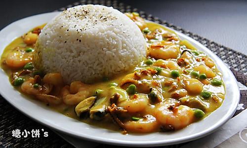 【海鲜咖喱饭搭配玉米甜奶油】的做法
