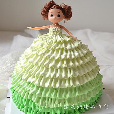 梦幻时尚的芭比蛋糕