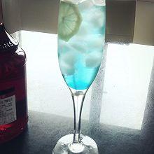 苏打水-蓝色夏威夷
