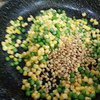 创意菜–紫甘蓝松仁玉米的做法图解5