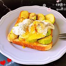 #花10分钟,做一道菜!#水波蛋西葫芦吐司