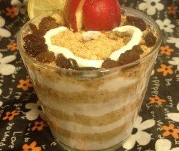 酸奶木槺杯的做法