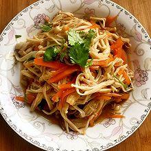 胡萝卜拌金针菇