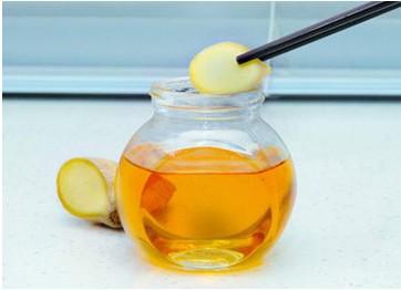 生姜蜂蜜水,喝走痘痘暗斑