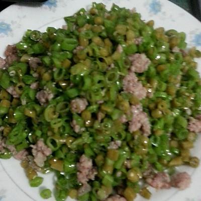 超好吃的下饭菜~烂肉泡豇豆炒空心菜杆