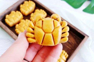 网红螃蟹月饼