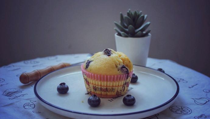 #520,美食撩动TA的心!#会爆浆的小蛋糕-蓝莓马芬