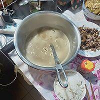 20汤锅:小米稀饭玉米面熟豆面鸡蛋煮肘子的做法图解12