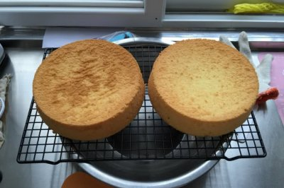 8寸戚风蛋糕(2个的用量)