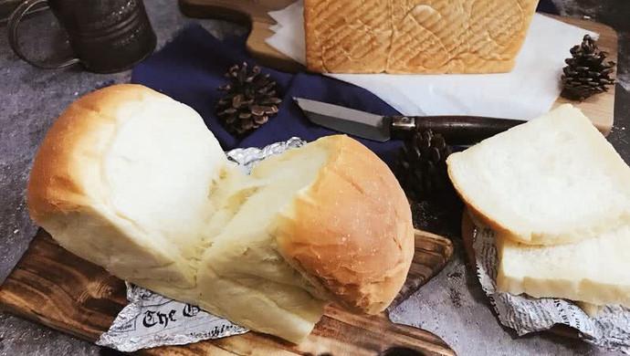 软到不知所措的北海道吐司 大名鼎鼎的面包(波兰种)