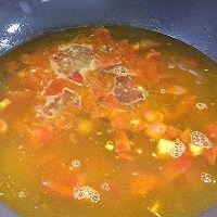 鲜美开胃: 风味西红柿杂菇汤的做法图解10