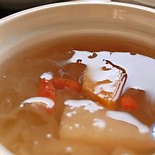 【芸芸小厨】清清凉凉的滋味——雪梨银耳木瓜糖水