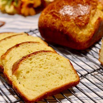 不用揉面的香软吐司:布里欧修面包